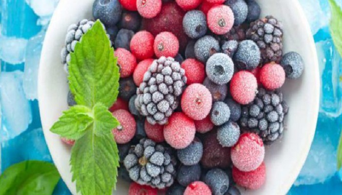 Ягоды и фрукты в микроволновке полезно или нет. / Фото: foodandhealth.ru