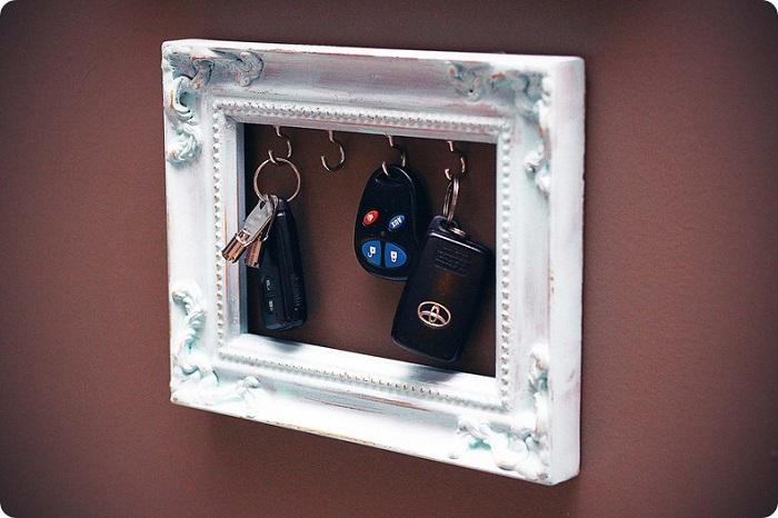 Изделие поможет хранить ключи в одном месте. / Фото: kakpostroit.su
