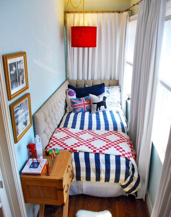Оригинальная детская комната на балконе. / Фото: dafix.ru