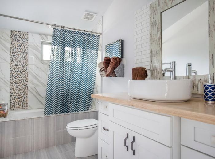 Ванную нужно оформлять плиткой - она наиболее устойчива к влаге. / Фото: modernplace.ru