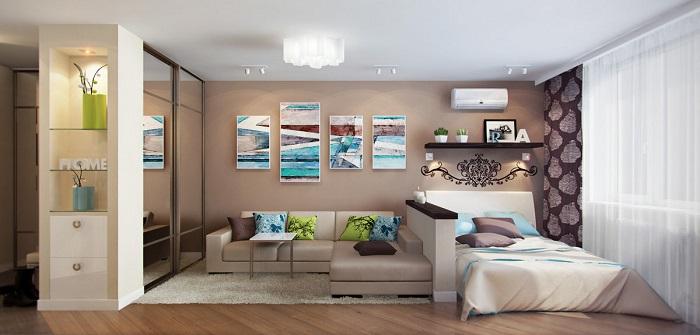 Кровать возле окна добавит уюта в комнату. / Фото: stroy-podskazka.ru