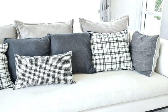 Серые подушки делают интерьер скучным и обыденным. / Фото: archidea.com.ua