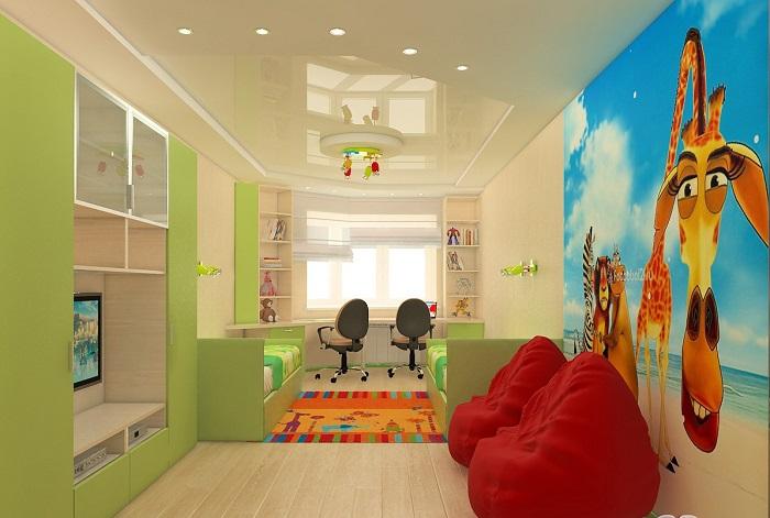 Потолок светлых оттенков сделает комнату визуально больше. / Фото: berkem.ru