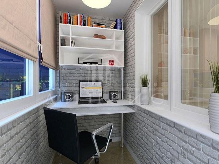 Светлые оттенки в оформлении балкона помогут расширить пространство и сделают кабинет визуально больше. / Фото: budvtemi.com