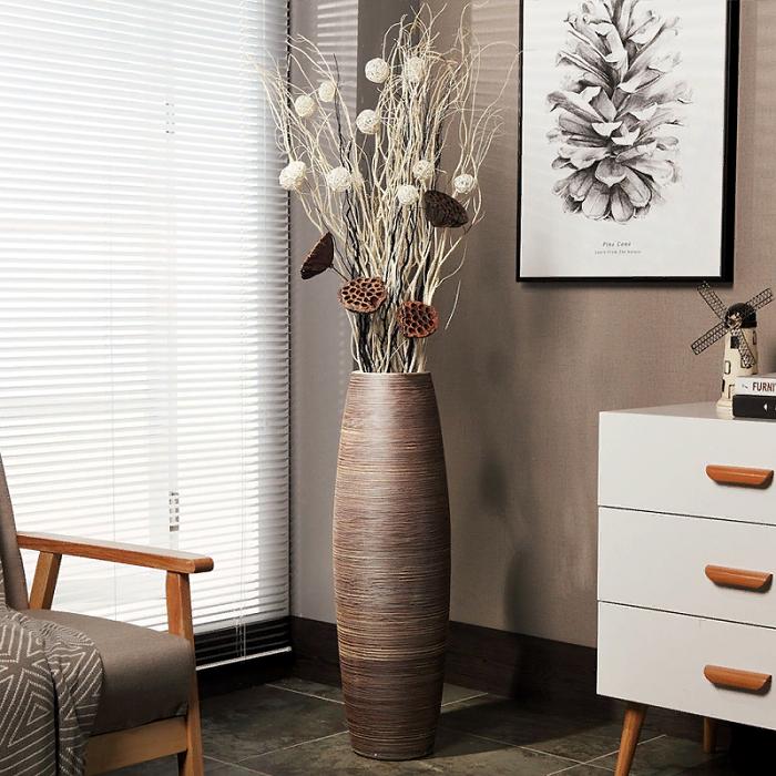Напольная ваза может использоваться как самостоятельный декоративный элемент. / Фото: buychinabulk.com