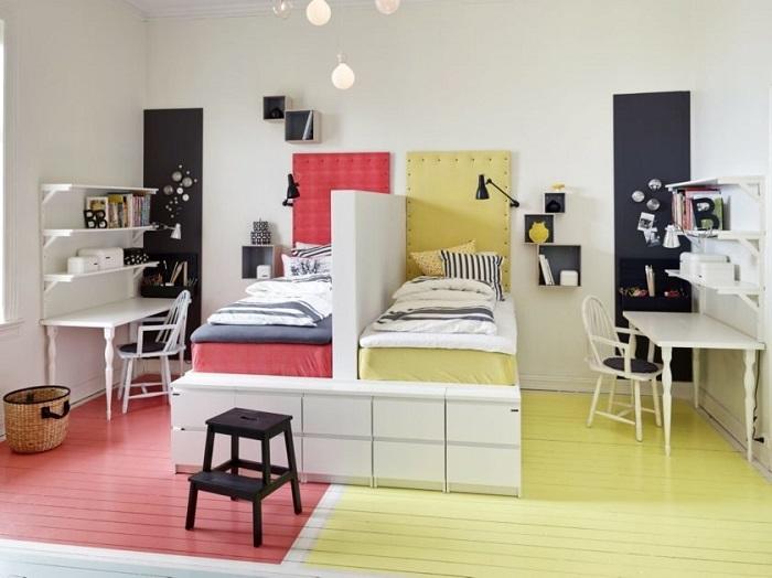 В одной комнате могут гармонично сочетаться несколько цветов. / Фото: kolionovo.ru