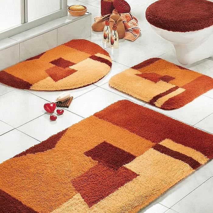 Яркий коврик может изменить комнату до неузнаваемости. / Фото: krovati-i-divany.ru