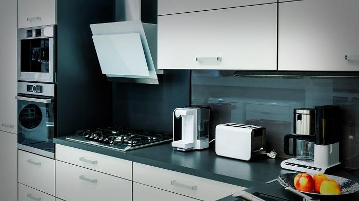 Выбирайте многофункциональную кухонную технику, чтобы сэкономить место на кухне. / Фото: rsu1.com.ua