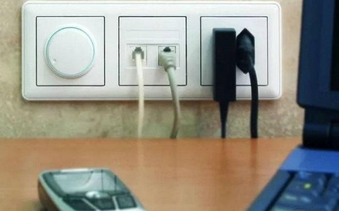 Розетки должны грамотно располагаться по комнате. / Фото: vitrum-novo.ru