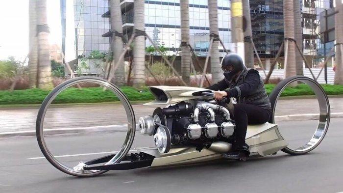Мотоцикл без спиц. | Фото: nevsedoma.com.ua