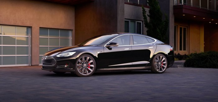 Tesla Model S 70 2014 года. | Фото: hevcars.com.ua