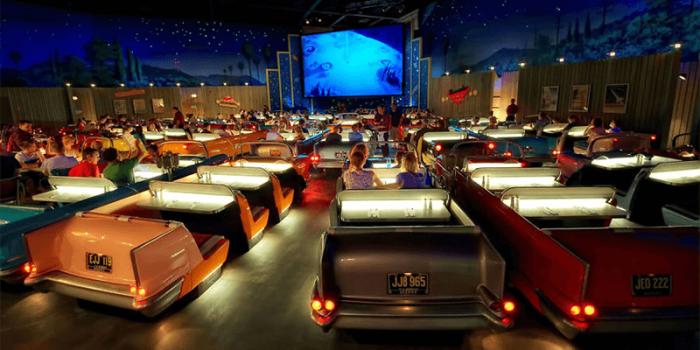 Этот кинотеатр находится при студии Дисней | Фото: pinterest.com