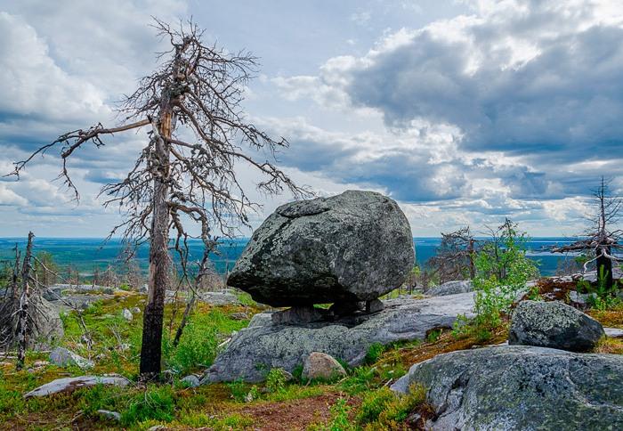Гора считается местом силы в Карелии. /Фото: loveopium.ru