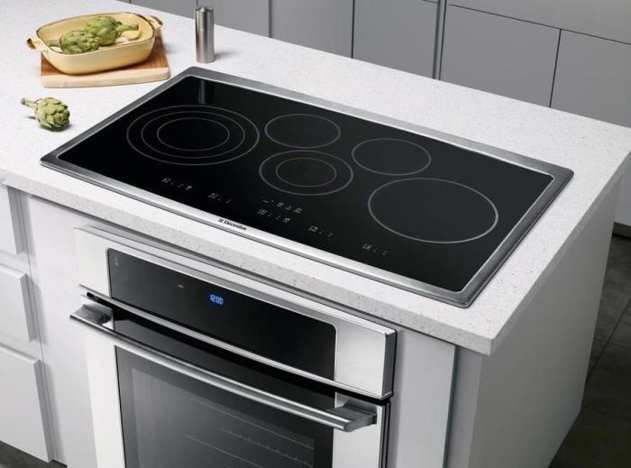 Большинство из нас напрасно игнорируют индукционные плиты. /Фото: lowes.com