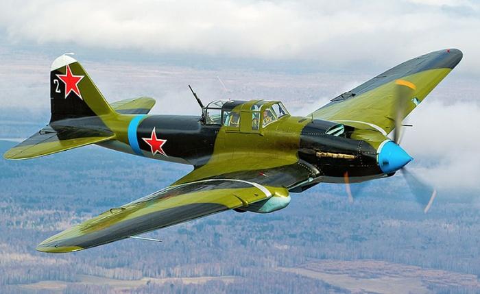 К примеру, штурмовик Ил-2 получил от солдат прозвище «горбатый». /Фото: oruzhie.info