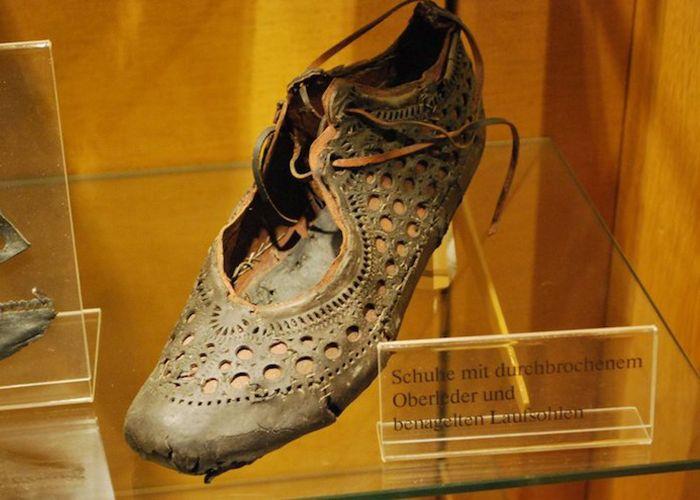 Обувь богатой римской женщины. /Фото: ratnet.od.ua