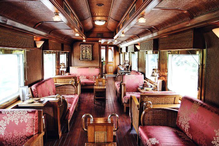 А вот ресторан в роскошном поезде требовал определенного внешнего вида. /Фото: vogue.com