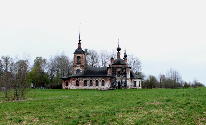 Пустующая церковь, которая при этом является частью паломничества. /Фото: russian-church.ru