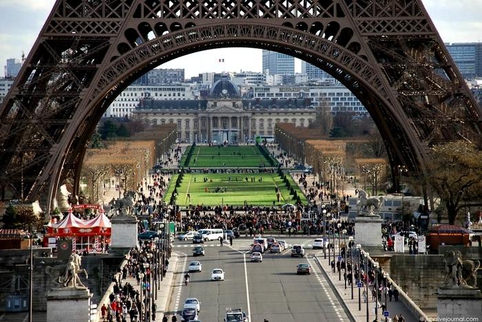 Даже массовые скопления людей не могут поразить масштабами. /Фото: liveinternet.ru