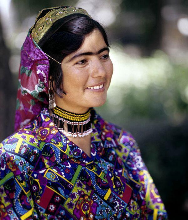Довольно нестандартная красота для многих, а в Таджикистане - имеет особый смысл. /Фото: sputnik.tj