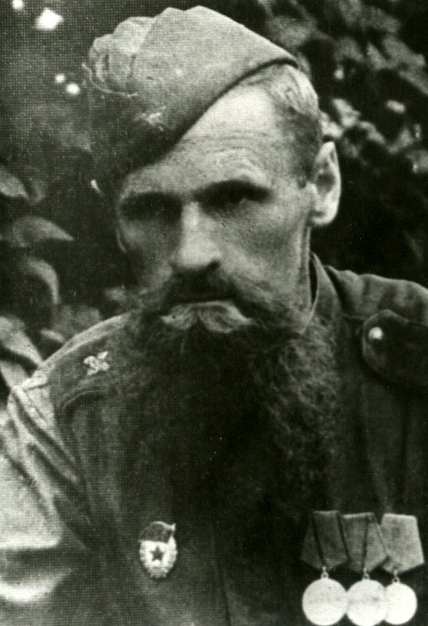 Советский солдат в звании гвардии сержант. /Фото: yaplakal.com