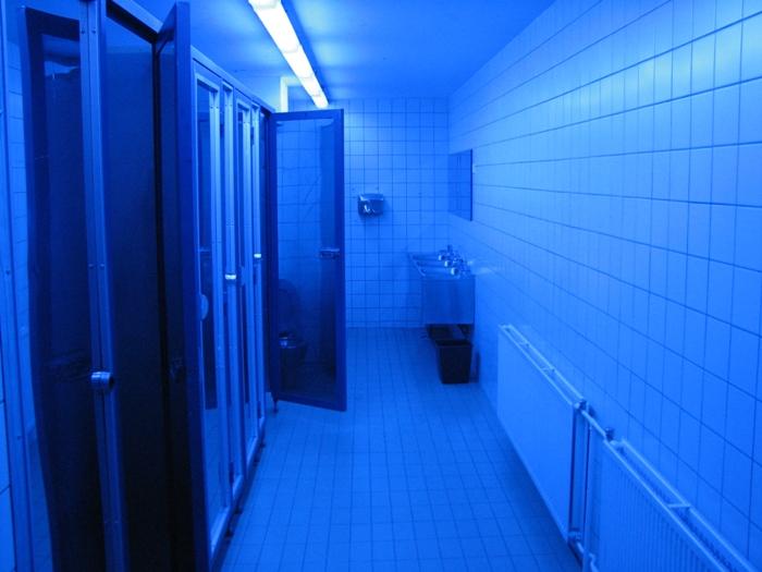 Борьба за здоровье посетителей - в каждом уголке заведения. /Фото: bustle.com