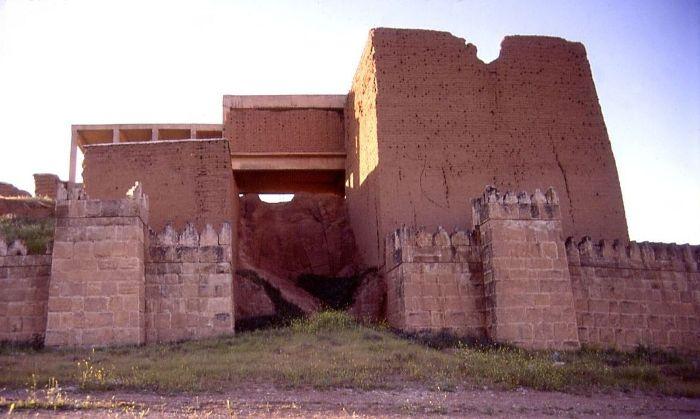 Древний город Ниневия не подтверждает существования легендарных садов. /Фото: wikiрedia.org