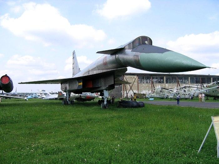 Единственный дошедший до наших дней Т-4 на вечной стоянке. /Фото: wikiрedia.org