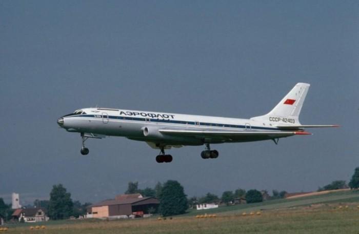 Реактивный пассажирский самолет Ту-104. /Фото: rosoboronpostavka.ru