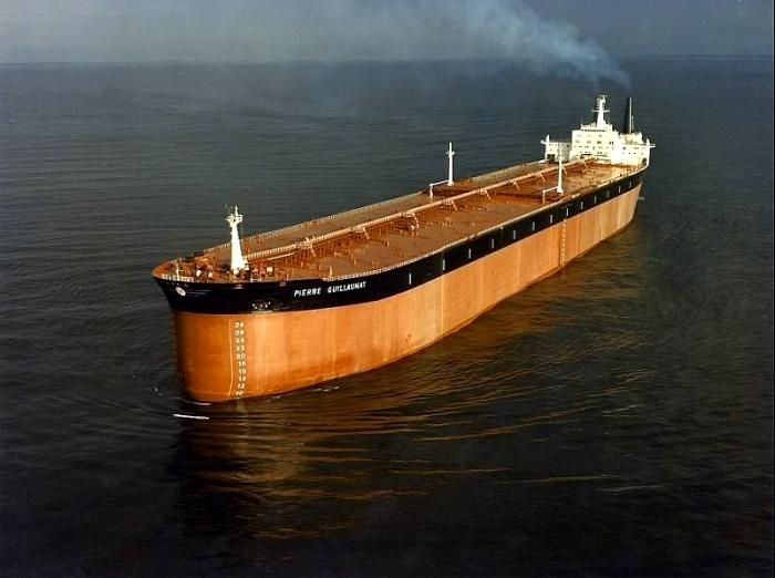 Крупнейший французский танкер, который просуществовал всего пять лет. /Фото: aukevisser.nl