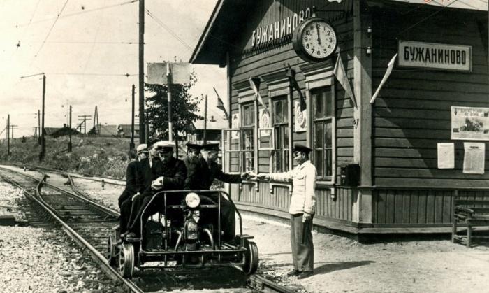 Дежурные по станции появились еще в царские времена. /Фото: etoretro.ru