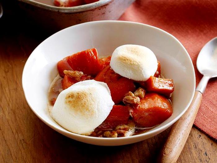 Картошка с маршмеллоу - не то десерт, не то закуска. /Фото: grandkulinar.ru