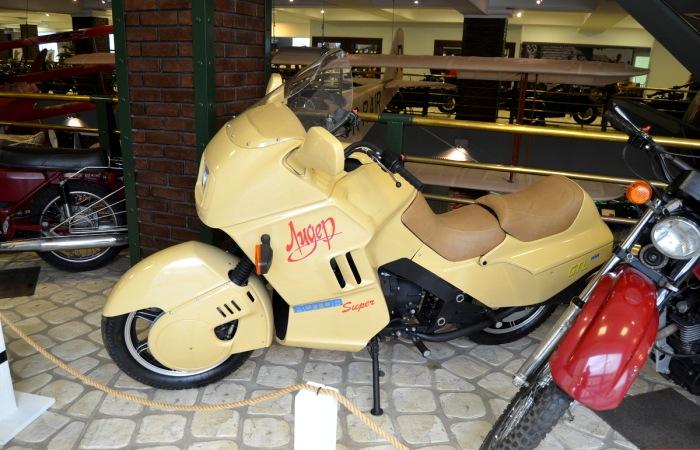 Революционный советский мотоцикл, также не получивший билет в жизнь. /Фото: pikabu.ru