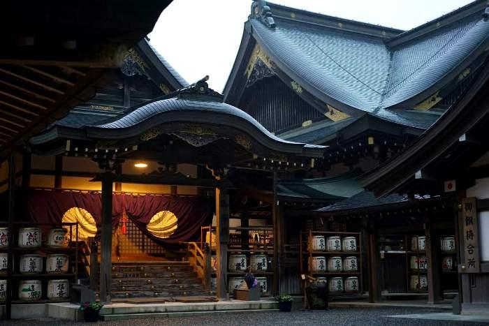 Служители храма строго охраняют его секреты и соблюдают традиции. /Фото: narvii.com