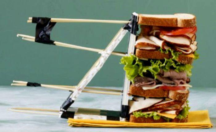 Рекламный бутерброд, вид сбоку. /Фото: bigpicture.ru