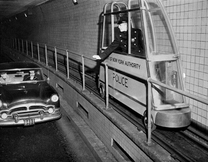 Оригинальное средство передвижения для копов, работающих в тоннелях. /Фото: ochmanity.com