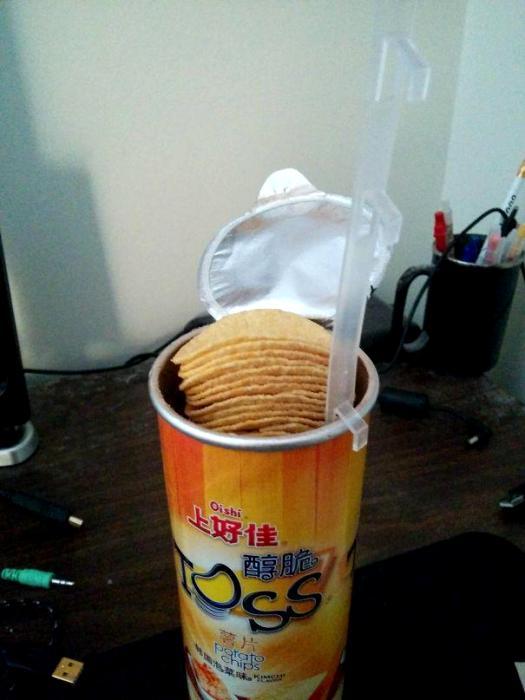 Достать чипсы со дна упаковки - больше не проблема. /Фото: 4tololo.ru