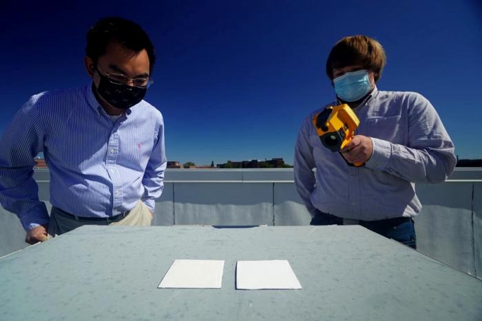 Тестирование охлаждающей краски под открытым небом. /Фото: cnews.ru