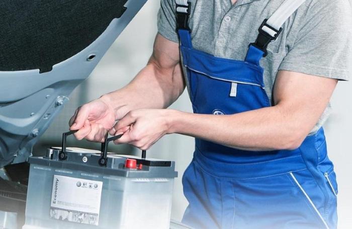 Отключение аккумулятора во время простоя автомобиля - не вынужденная мера. /Фото: dpchas.com.ua