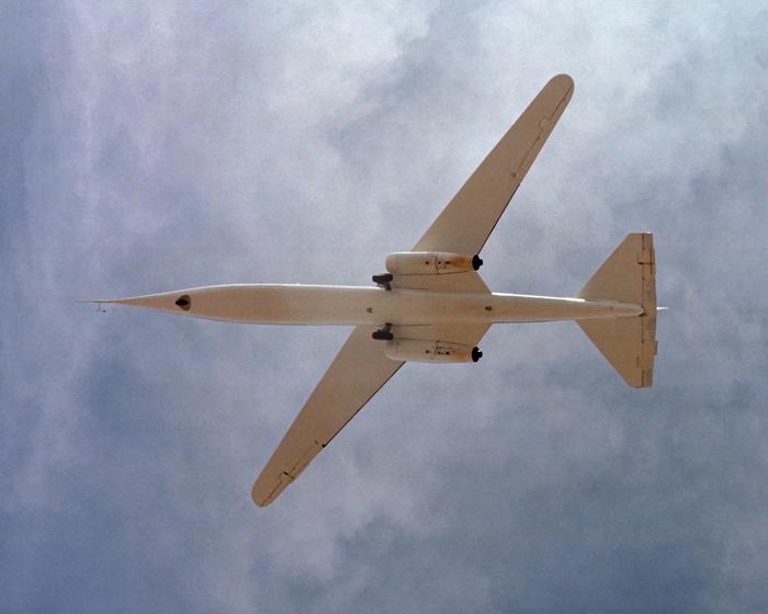 Наземная съемка AD-1 во время одного из испытательных полетов. /Фото: nasa.gov
