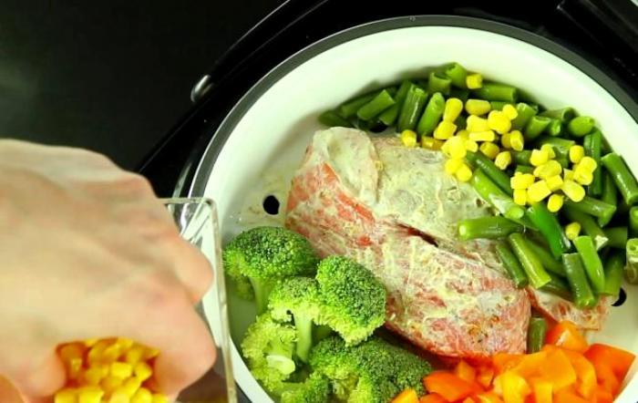 Мультиварка не сильно отличается от других приборов по сохранению полезности блюд. /Фото: good-cook.ru