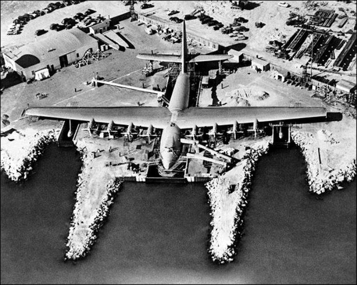 При строительстве самолета-рекордсмена возник целый ряд проблем. /Фото: 1image.do.am