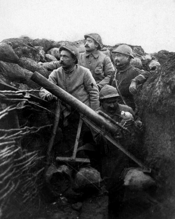 Бомбомет Азена не снискал славы на фронтах Первой мировой, но о нем вспомнили позже. /Фото: livejournal.com
