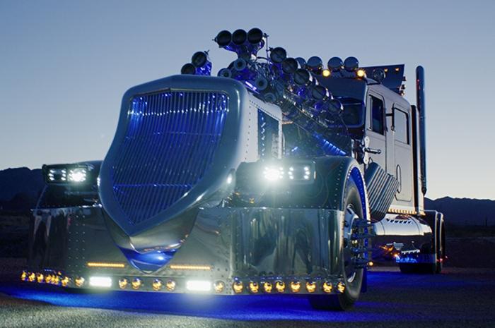 Автор выручил за грузовик почти вдвое больше, чем вложил. /Фото: pinterest.com