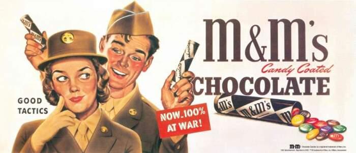 Реклама драже военного времени - на ней видна первая упаковка M&M's цилиндрической формы. /Фото: 24tv.ua