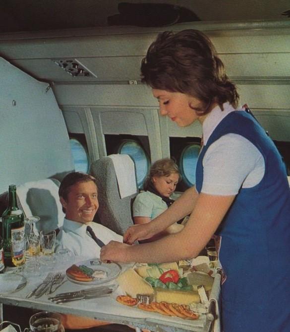 Как выяснилось, далеко не все мы знаем о советском обслуживании в самолётах. /Фото: yaplakal.com