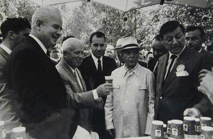 Поездка Хрущева в США была наполнена курьезами и приключениями. /Фото: blogspot.com