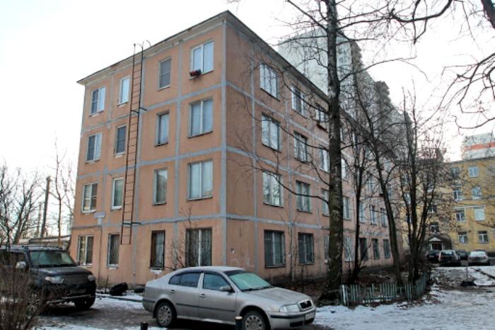Так дом, построенный наоборот, выглядит сегодня. /Фото: kanoner.com