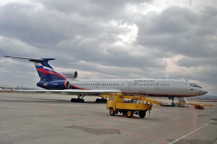 АТ-6 во время работы в аэропорту. /Фото: uazbuka.ru
