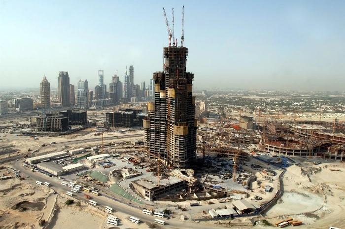 «Бурдж-Халифа» во время строительства. /Фото: kuku.travel